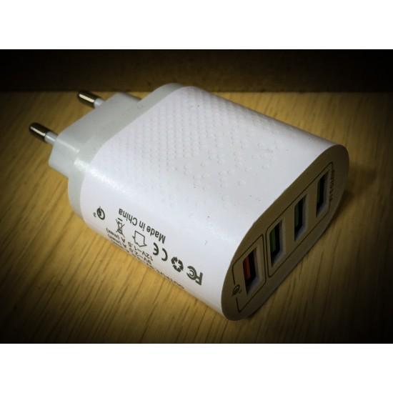 chargeur USB quatre ports